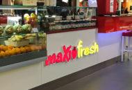 Leuchtreklame-Bar-Verkaufstheke-Einzelbuchstabe-Threse-MaxiFresh-Restaurant-Leuchtbuchstaben-Gustosa-Muenchen-DNZ-Networks