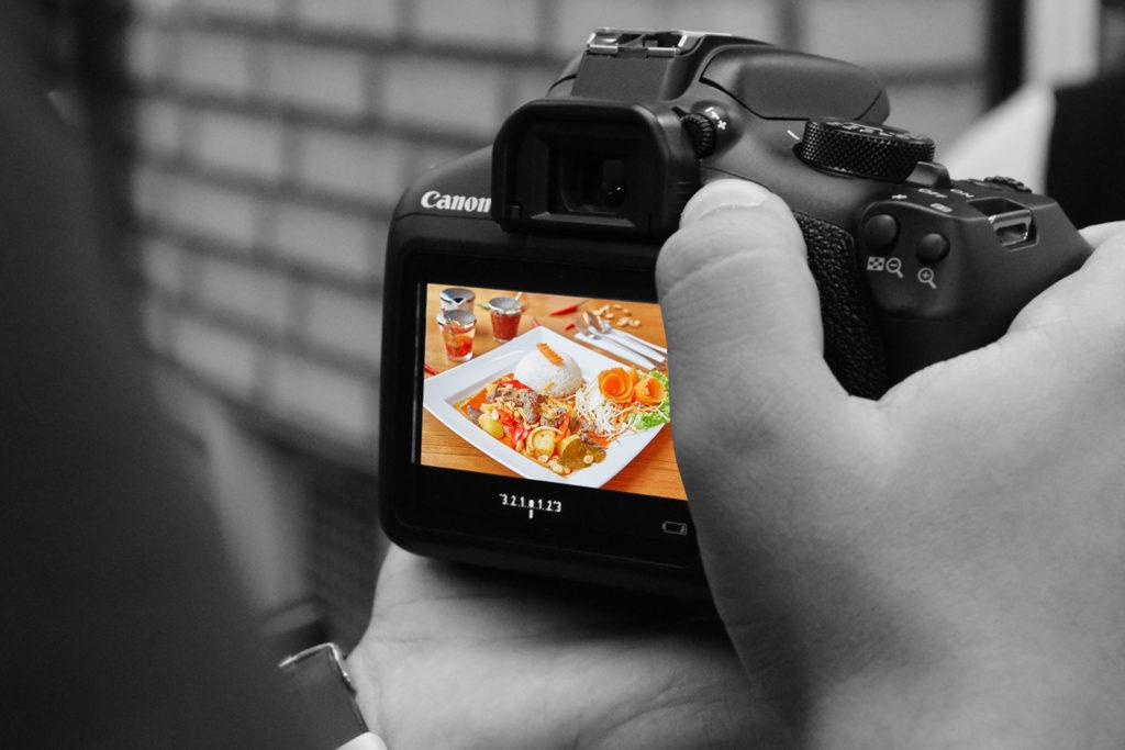 Asia-Speisekarte-Fotoshooting-Restaurant-Menukarte-Vorbereitung-Speise-Fotografie - DNZ Networks